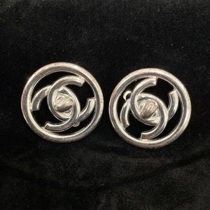 AUTHENTIC CHANEL Button Turnlock Earrings Clip-On